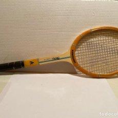 Coleccionismo deportivo: ANTIGUA RAQUETA KAWASAKI BRAVO Nº 1. Lote 277764498