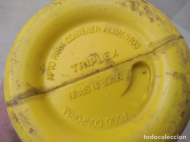 Coleccionismo deportivo: Antiguo bidon de ciclismo Reynolds años 80. Mallot amarillo Perico Delgado - Foto 4 - 283071638