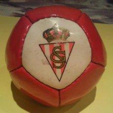 Coleccionismo deportivo: FUTBOL BALON DEL SPORTING DE GIJON AÑOS 80. Lote 71214838