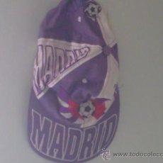 Coleccionismo deportivo: GORRA DE FUTBOL DEL REAL MADRID. Lote 26652405
