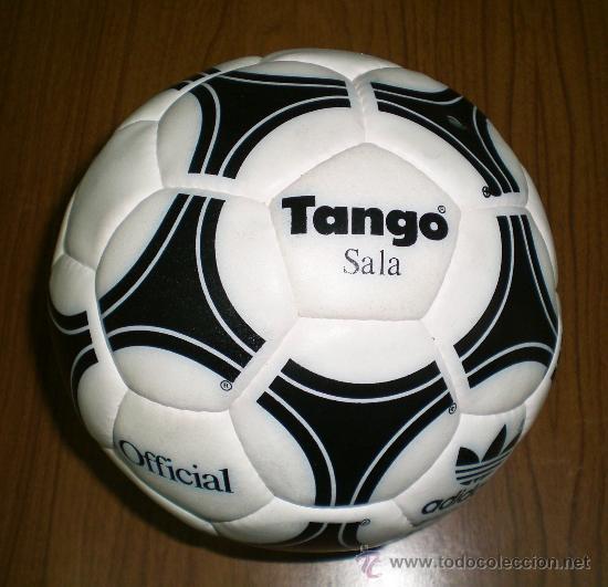 Inminente comerciante Ponte de pie en su lugar  Balon futbol sala adidas futbito tango sala ant - Sold at Auction - 26389337