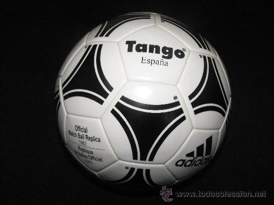 Destello frente sesión  Balón de fútbol tango adidas españa 82 - Sold through Direct Sale - 33433903