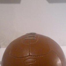 Coleccionismo deportivo: BALON DE FUTBOL O FUTBOL SALA DE CUERO,HEINEKEN UEFA CHAMPIONS LEAGUE. Lote 49669322