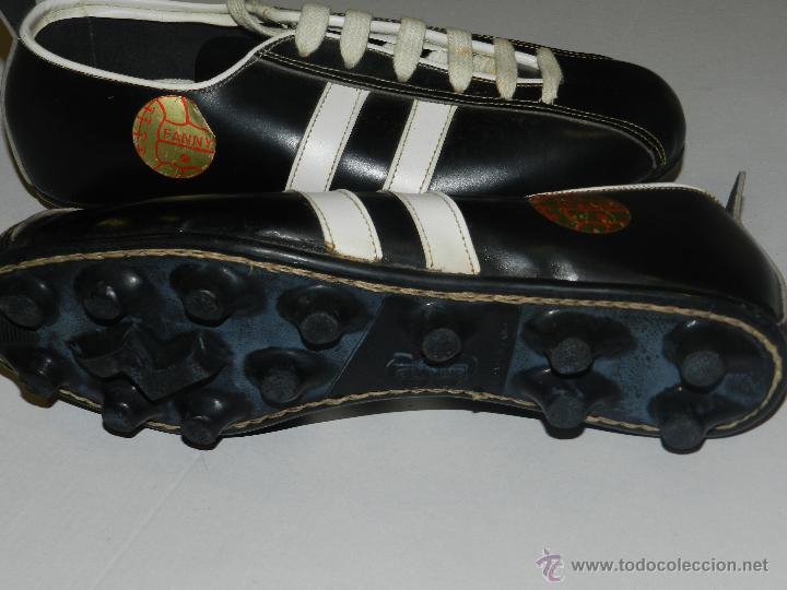 Coleccionismo deportivo: (M) BOTAS DE FUTBOL AÑOS 70 - MARCA OLYMPIC ( FANNY ) , TOTALMENTE NUEVAS - Foto 2 - 45355830