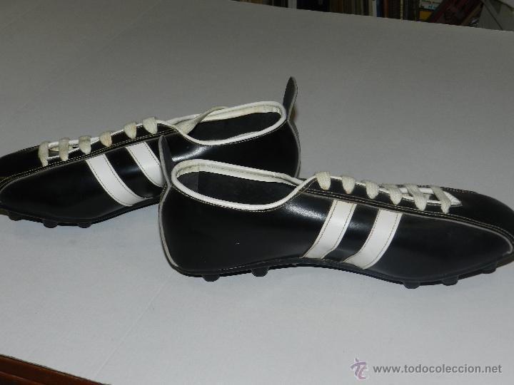 Coleccionismo deportivo: (M) BOTAS DE FUTBOL AÑOS 70 - MARCA OLYMPIC ( FANNY ) , TOTALMENTE NUEVAS - Foto 3 - 45355830