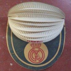 Coleccionismo deportivo: TREMENDA VISERA AÑOS 40 DEL REAL MADRID,MUY RARA Y BONITA,PRECIOSO TESTIMONIO DE OTRA ÉPOCA. Lote 50437857