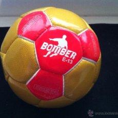 Coleccionismo deportivo: BALON DE FUTBOL, PROMOCION-OBSEQUIO EDICIONES PANINI. BOMBER E-13. Lote 51087072
