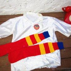 Coleccionismo deportivo: CAMISETA FUTBOL ANTIGUA Y MEDIAS AÑOS 50 60 VALENCIA CLUB FUTBOL VCF. Lote 53144312