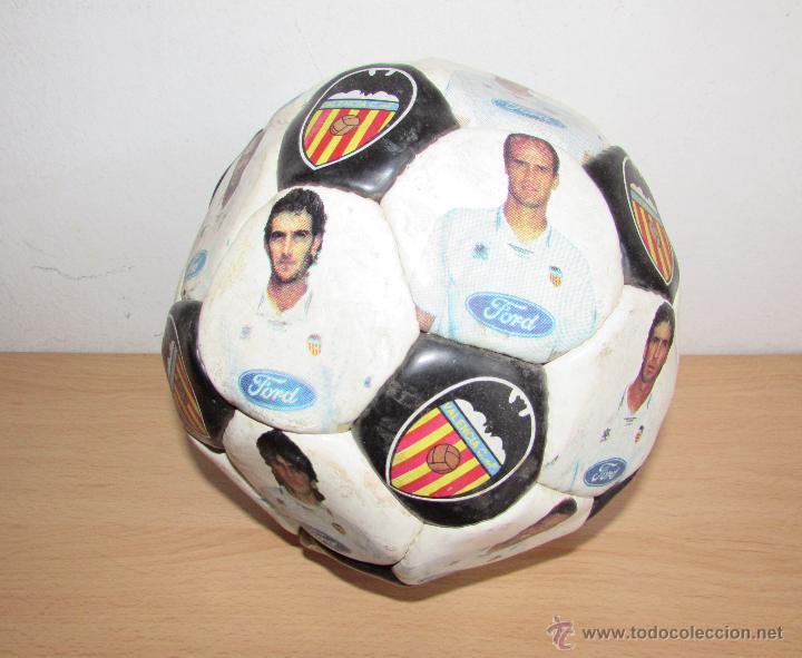 BALON DEL VALENCIA ANTIGUO - LUANVI - CON LOS JUGADORES (Coleccionismo Deportivo - Material Deportivo - Fútbol)