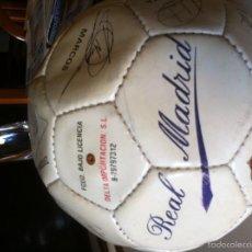 Coleccionismo deportivo: REAL MADRID BALON DEL CLUB MERENGUE TEMPORADA 1994-1995 FIRMAS ORIGINALES . Lote 56278800