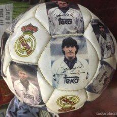 Coleccionismo deportivo: BALON DE FUTBOL PLANTILLA REAL MADRID AÑO 1991 - FIRMADO SERIGRAFIADO - BALON NUEVO A ESTRENAR. Lote 57416925