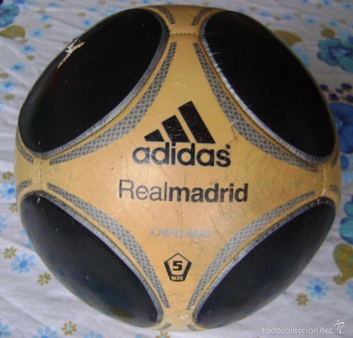 Coleccionismo deportivo: BALÓN ANTIGUO REAL MADRID ADIDAS CAPITANO 5 - Foto 2 - 58269213