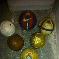 Coleccionismo deportivo: LOTE DE 7 BALONES PEQUEÑOS DE COLECCION DE DIFERENTES ETAPAS DEL FUTBOL. Lote 63143040