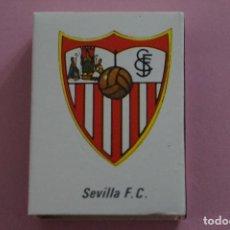 Coleccionismo deportivo: CAJA DE CERILLAS DE ESCUDO DEL SEVILLA F.C. LIGA 81-82 MUNDIAL ESPAÑA 82. Lote 140851728