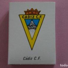 Coleccionismo deportivo: CAJA DE CERILLAS DE ESCUDO DEL CADIZ C.F. LIGA 81-82 MUNDIAL ESPAÑA 82. Lote 251781590