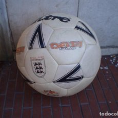 Coleccionismo deportivo: BALÓN FIRMAS ORIGINALES DE JUGADORES DEPORTIVO ALAVÉS. Lote 71776995