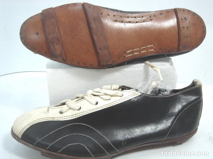 muy antiguas botas de futbol años 30 40 - cuero - Comprar Material ... af8d2f8faabc7