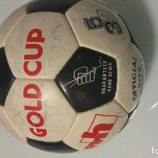 Coleccionismo deportivo: BALÓN FIRMADO REAL MADRID QUINTA DEL BUITRE. Lote 75070907
