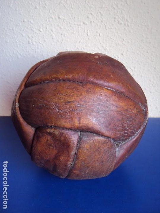 Coleccionismo deportivo: (F-170223)BALON FUTBOL 12 PANALES AÑOS 20-30 CON RED COLORES DEL F.C.BARCELONA - Foto 4 - 76215771