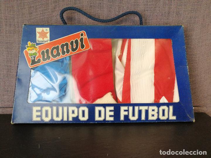 EQUIPACION ATLÉTICO DE MADRID AÑOS 80 (Coleccionismo Deportivo - Material Deportivo - Fútbol)
