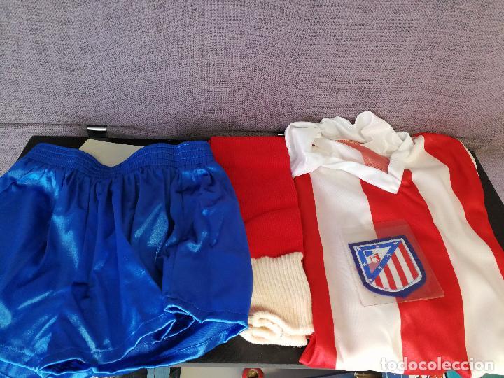 Coleccionismo deportivo: EQUIPACION ATLÉTICO DE MADRID AÑOS 80 - Foto 2 - 80205281