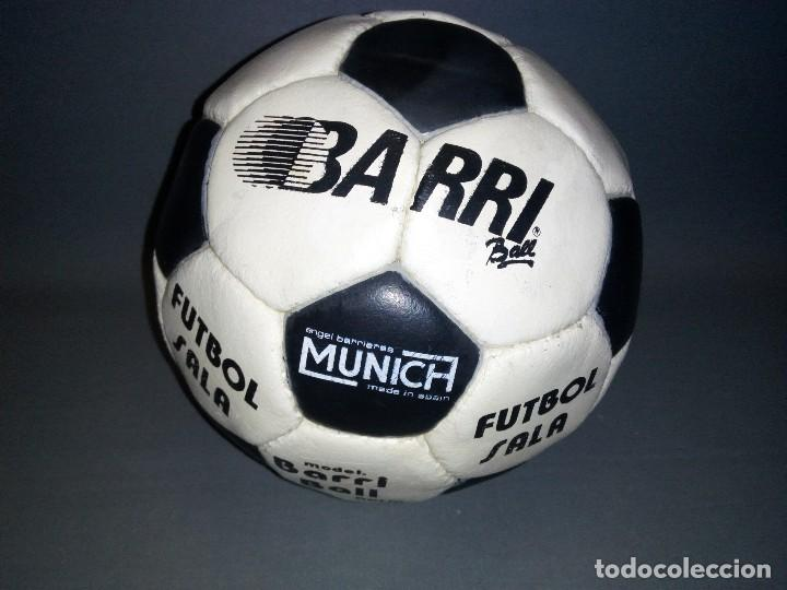 Coleccionismo deportivo: 918- ANTIGUO BALON DE FUTBOL SALA -- ANGEL BARRIERES ( MUNICH) BARRI BALL -OLD STOCK - Foto 1 - 81699376