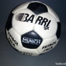 Coleccionismo deportivo: 918- ANTIGUO BALON DE FUTBOL SALA -- ANGEL BARRIERES ( MUNICH) BARRI BALL -OLD STOCK. Lote 81699376