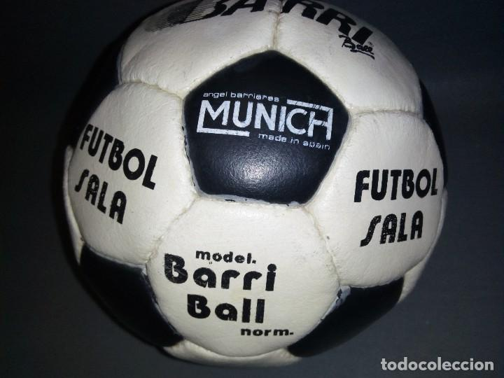 Coleccionismo deportivo: 918- ANTIGUO BALON DE FUTBOL SALA -- ANGEL BARRIERES ( MUNICH) BARRI BALL -OLD STOCK - Foto 3 - 81699376