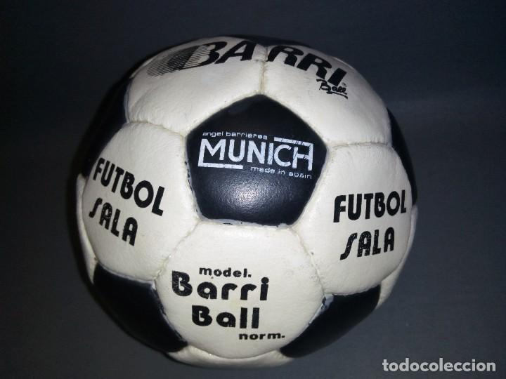Coleccionismo deportivo: 918- ANTIGUO BALON DE FUTBOL SALA -- ANGEL BARRIERES ( MUNICH) BARRI BALL -OLD STOCK - Foto 4 - 81699376