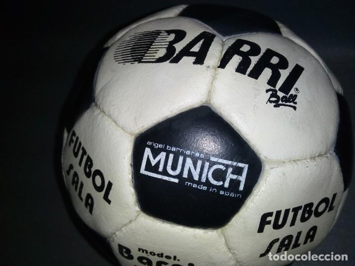 Coleccionismo deportivo: 918- ANTIGUO BALON DE FUTBOL SALA -- ANGEL BARRIERES ( MUNICH) BARRI BALL -OLD STOCK - Foto 5 - 81699376