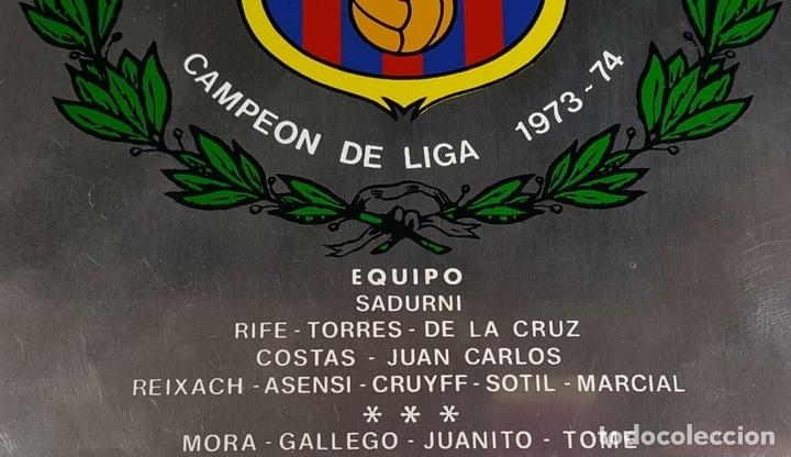 Coleccionismo deportivo: PLACA CONMEMORATIVA FC BARCELONA. CAMPEON LIGA 1973-74. METAL ESMALTADO. 1974. - Foto 3 - 82265052
