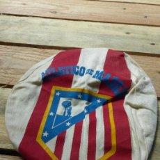Coleccionismo deportivo: ATLÉTICO DE MADRID - ANTIGUA GORRA O VISERA DE HINCHA - ORIGINAL AÑOS 60 - FÚTBOL -. Lote 85343284