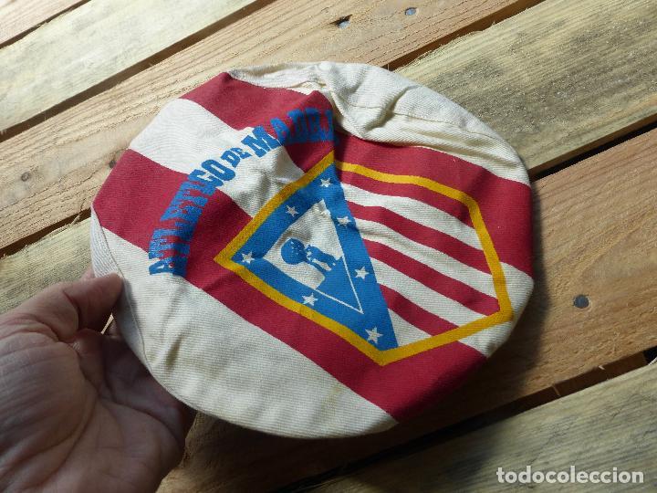 Coleccionismo deportivo: ATLÉTICO DE MADRID - ANTIGUA GORRA O VISERA DE HINCHA - ORIGINAL AÑOS 60 - FÚTBOL - - Foto 3 - 85343284