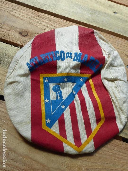 Coleccionismo deportivo: ATLÉTICO DE MADRID - ANTIGUA GORRA O VISERA DE HINCHA - ORIGINAL AÑOS 60 - FÚTBOL - - Foto 6 - 85343284