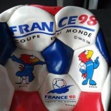 Coleccionismo deportivo: BALÓN FÚTBOL FRANCE FRANCIA 98 CON LOGO LICENCIA OFICIAL NUEVO A ESTRENAR SMITS . Lote 90746300