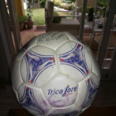 Coleccionismo deportivo: BALON ADIDAS TRICOLORE - AÑOS 90 - OFFICIAL BALL SUPPLIER TO FIFA. Lote 95541099