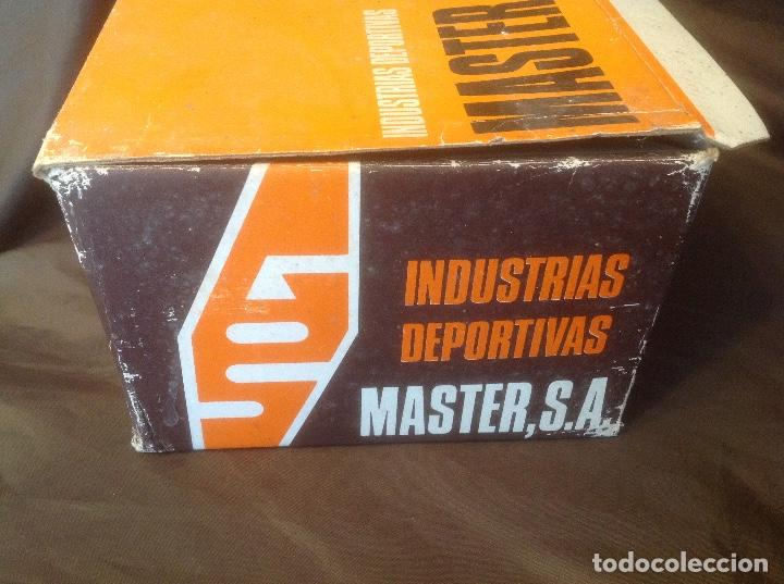 Coleccionismo deportivo: Botas de futbol antiguas MADE IN SPAIN a estrenar en caja Industrias Deportivas Master, SA Número 42 - Foto 6 - 98428175