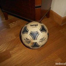 Coleccionismo deportivo: ESPECTACULAR BALON ADIDAS TANGO BRASIL FIFA WORLD CUP DEVICE OFICIAL AÑOS 80 PLASTICO MUY RARO !!!!!. Lote 99366807