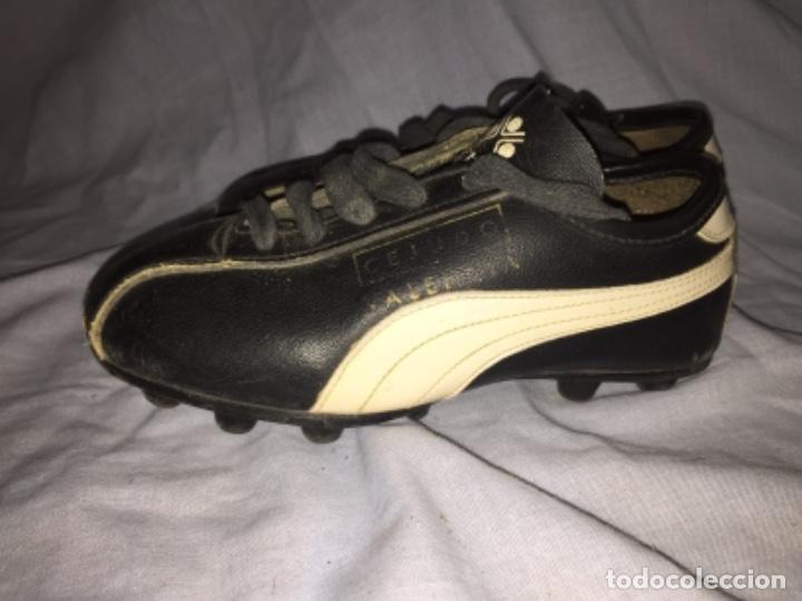 Coleccionismo deportivo: Botas de fútbol cejudo València talla pequeña - Foto 4 - 103639027