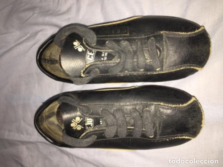 Coleccionismo deportivo: Botas de fútbol cejudo València talla pequeña - Foto 7 - 103639027