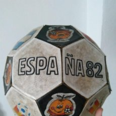 Coleccionismo deportivo: RAREZA COLECCIONISTAS ANTIGUO BALON NARANJITO 82 MUNDIAL DE FUTBOL. Lote 103830467