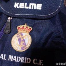 Coleccionismo deportivo: MOCHILA PEQUEÑA DEL REAL MADRID.KELME,AÑOS 90.A ESTRENAR; PRODUCTO OFICIAL. Lote 107433879