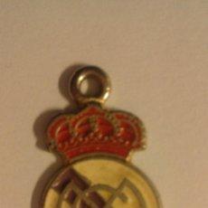 Coleccionismo deportivo: COLGANTE REAL MADRID. Lote 107852931