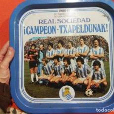 Colecionismo desportivo: BANDEJA DE LA REAL SOCIEDAD CAMPEONA DE LIGA EQUIPO . Lote 107983675