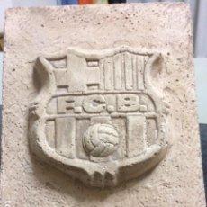 Coleccionismo deportivo: ESCUDO EN PIEDRA FUTBOL CLUB BARCELONA. Lote 110125255