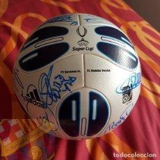 Coleccionismo deportivo: FC BARCELONA BARÇA MATCH UN WORN BALON BALL FINAL SUPERCOPA EUROPA MONACO 2009 FIRMADO PLANTILLA. Lote 112030431