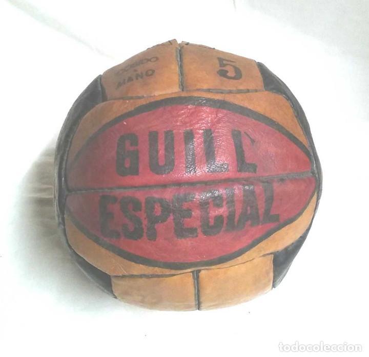 Coleccionismo deportivo: Pelota Futból Guill Especial 5, cuero cosida a mano años 50 vintage, no jugada resto tienda - Foto 3 - 114441323