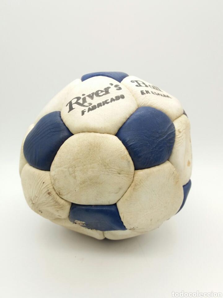 Coleccionismo deportivo: Balón de fútbol años 70 River's Fabricado en España - Foto 2 - 118365855
