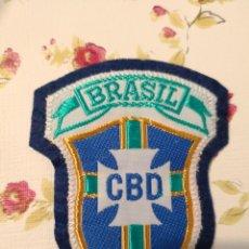 Coleccionismo deportivo: PARCHE DE TELA - ESCUDO BORDADO- FEDERACIÓN FÚTBOL DE BRASIL (C.B.D) (7,5 X 6 CM) NUEVO. Lote 119013459