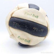 Coleccionismo deportivo: BALÓN DE FÚTBOL RIVER'S BALL AÑOS 60 FABRICADO EN ESPAÑA ''FOOT BALL''. Lote 121298275